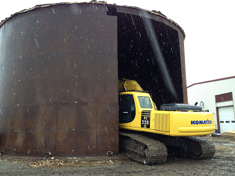 Water Tank Demolition : Barn building demolition